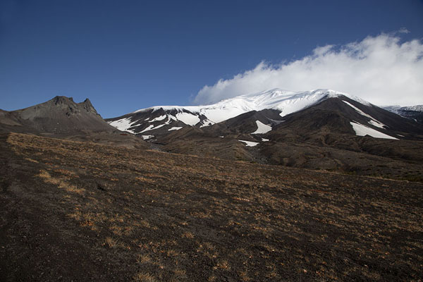Foto van Landscape with Avachinsky Volcano straight ahead and Camel Mountain on the left - Rusland - Europa