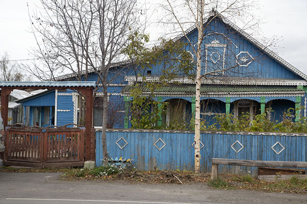Frontal view of wooden house in Esso | Esso | Rusia