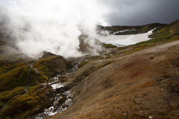 The small Valley of the Geysers | Mutnovsky Valley of Geysers | Rusland