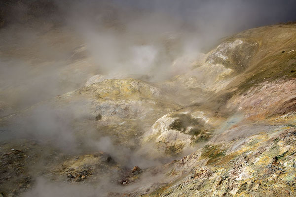 Foto di Close-up of steam constantly spouting from the highly active earthMutnovsky Valley of Geysers - Russia