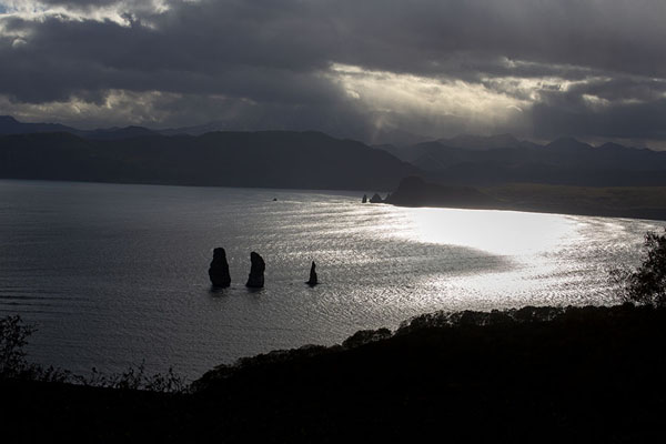 Picture of Three Brothers Peninsula (Russia): The Three Brothers in Avachinsky Bay seen from a viewpoint
