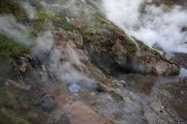 The part of the Valley of the Geysers at the Big Geyser | Vallei van de Geisers | Rusland