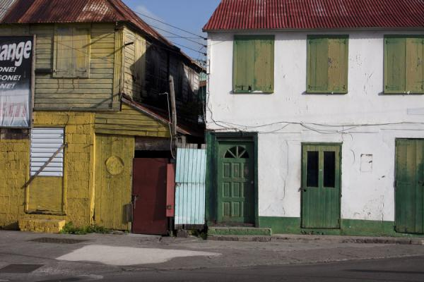 Picture of Basseterre (Saint Kitts and Nevis): Coloured houses in Basseterre