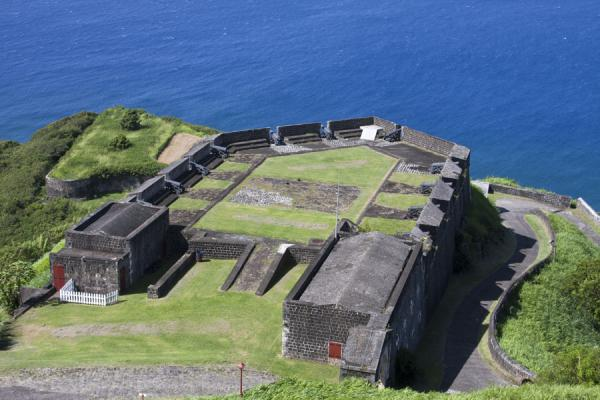 Foto van Prince of Wales bastion seen from the Fort George citadelBrimstone Hill Fortress - St Kitts en Nevis