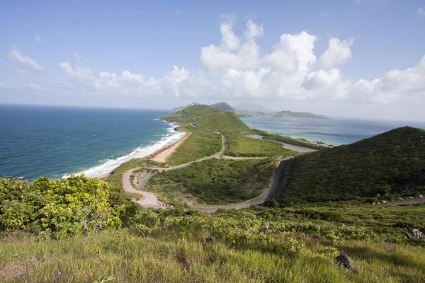 Foto van Looking south towards the southeast peninsula from Sir Timothy's HillSt Kitts Southeast Peninsula - St Kitts en Nevis
