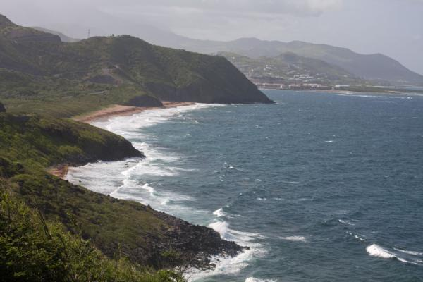 Coastal view of the eastern part of the southeast peninsula of St Kitts | Peninsula sureste de St Kitts | San Cristóbal y Nieves