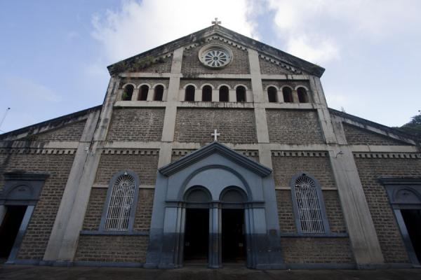 The facade of the cathedral of Castries | Castries Kathedraal | Santa Lucia