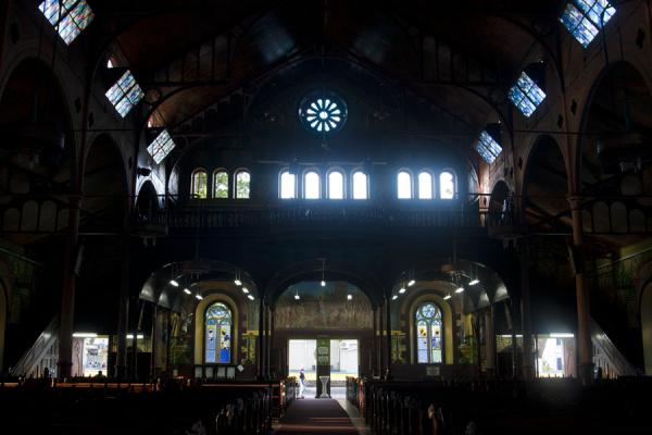 View of the entrance of the cathedral of Castries from inside | Castries Kathedraal | Santa Lucia