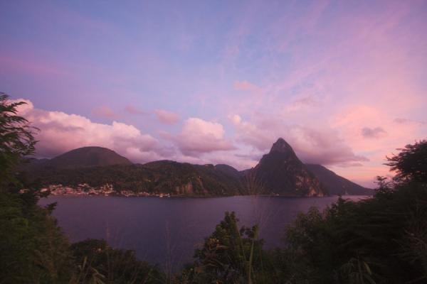 Sunset over Soufrière Bay with the Petit Piton in the background | Petit Piton | Santa Lucia