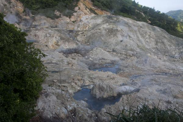 的照片 Overview of the so-called drive-in volcano at the sulphur springs - 圣卢西亚