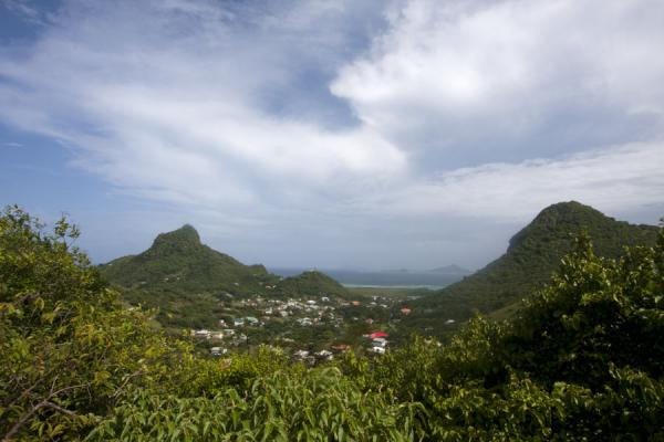 Foto van The highest peaks and the interior of Union IslandUnion  Island - Saint Vincent en de Grenadines