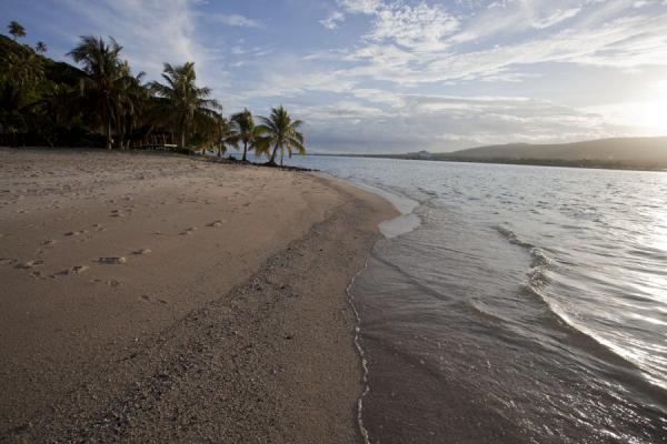 Picture of Namua island (Samoa): Late afternoon sunlight on the beach of Namua island