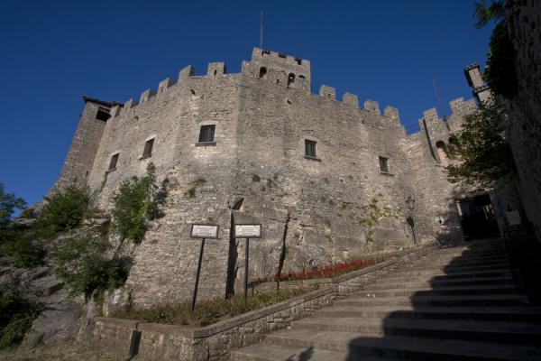 Foto van The entrance of the First Tower or GuaitaDrie Torens van San Marino - San Marino