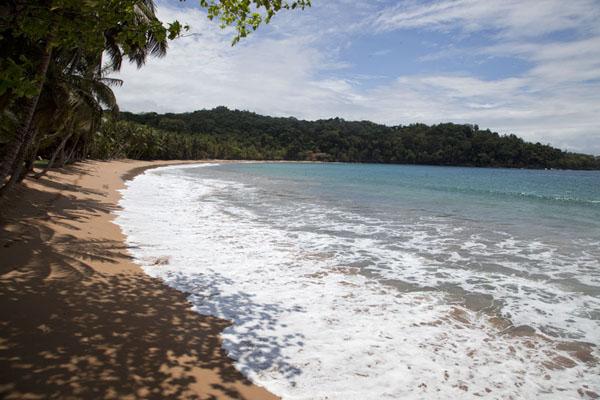 Deserted beach near Bom Bom Island | Bom Bom Island | São Tomé and Príncipe