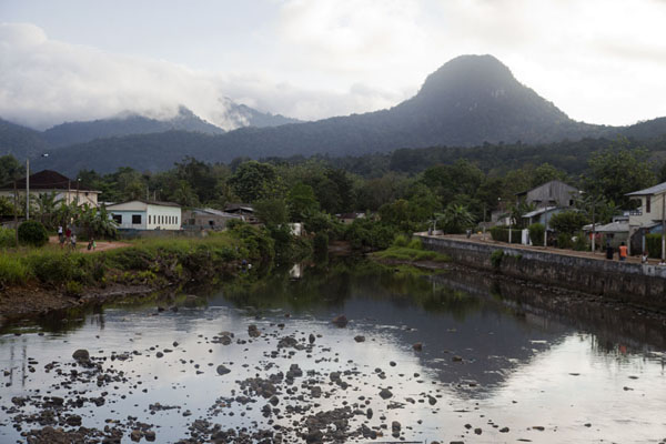 Pico Papagaio reflected in the Papagaio river | Pico Papagaio | São Tomé and Príncipe