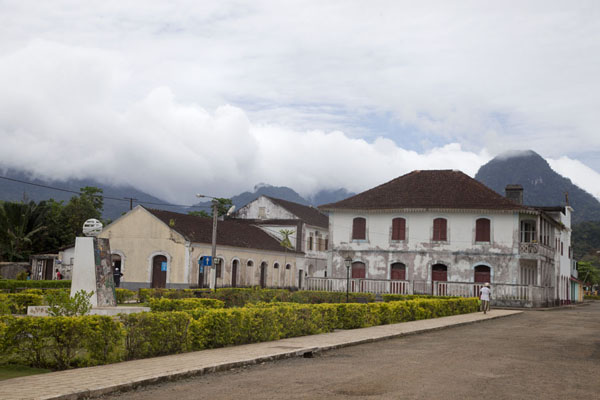 The main square of Santo Antonio with Pico Papagaio in the background | Santo Antonio | São Tomé and Príncipe