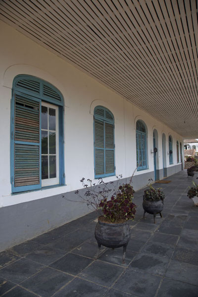 Veranda of the palace-like building at the Sundy plantation complex | Sundy | São Tomé and Príncipe