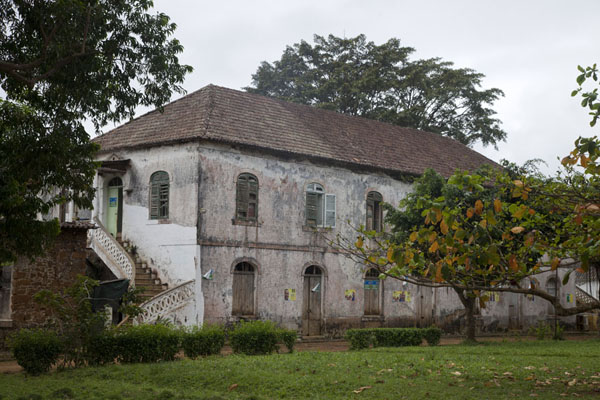 Picture of Sundy (São Tomé and Príncipe): One of the main buildings in the Sundy complex