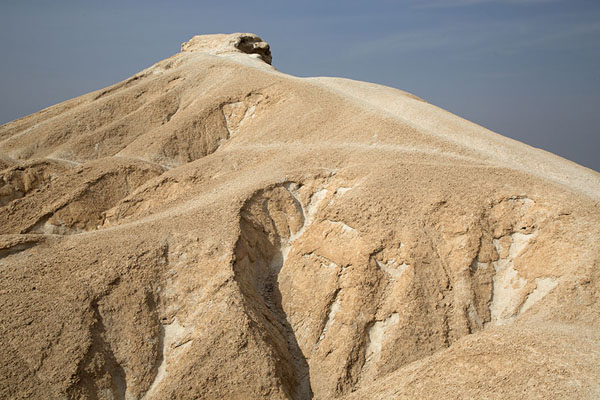 Photo de The dry landscape of Qara mountainAl Hofuf - Arabie Saoudite