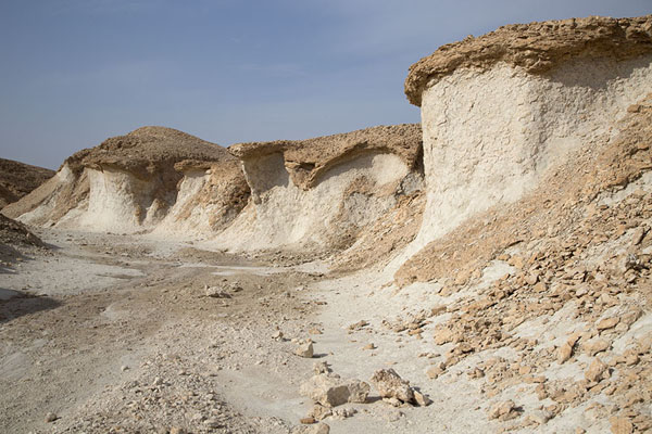 Foto de Rock formations at the top of Al Qara mountainAl Hofuf - Arabia Saudita