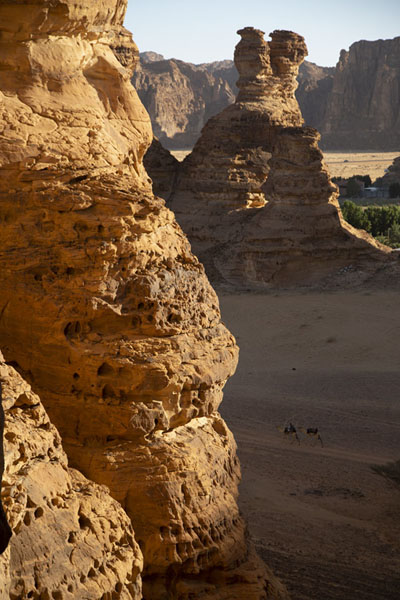Foto van Afternoon light on the rocky landscape near Al Ula - Saoedi Arabië - Azië
