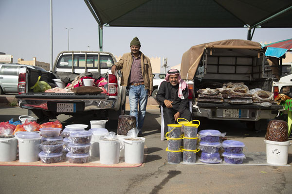 Picture of Selling dates at the Friday Market of HailHail - Saudi Arabia