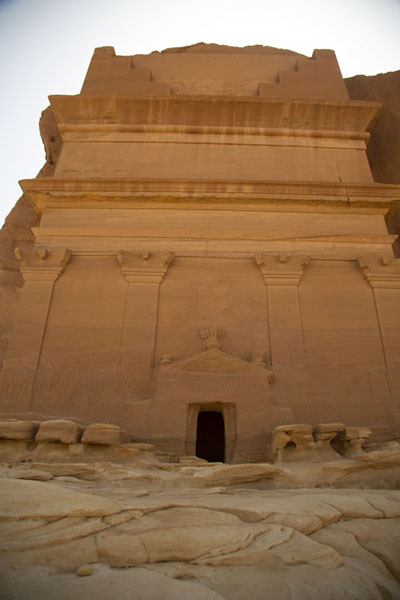 Foto van The large tomb at Qasr Farid, the largest tomb of Mada'in SalehMada'in Saleh - Saoedi Arabië