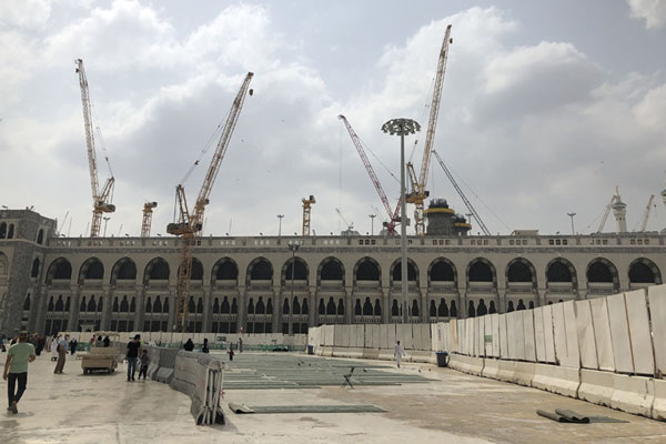 The east side of the Great Mosque of Mecca, with ongoing construction works all around it | Kaaba | Arabia Saudita