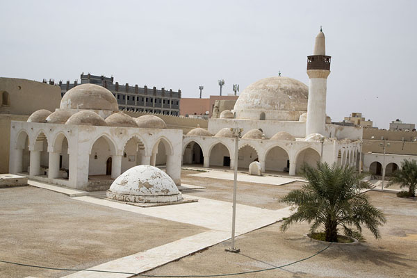 Quba mosque seen from the top of the wall of Qasr Ibrahim | Qasr Ibrahim | Saoedi Arabië