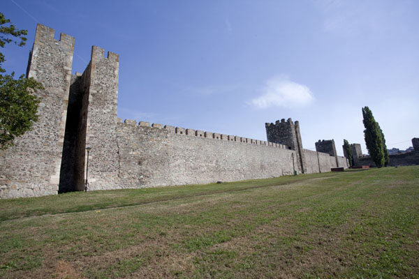 Picture of Smederevo Fortress (Serbia): Eastern wall of the fortress seen from the inside