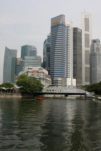 Picture of Skyscrapers at the end of Singapore River