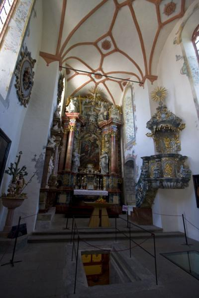 Picture of Orava Castle (Slovakia): Altar in the chapel in the castle of Orava