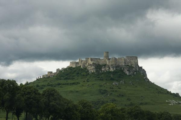 Picture of Spiš Castle (Slovakia): Spiš Castle with a threatening sky behind it