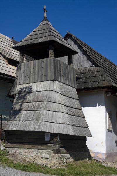 Picture of Vlkolínec (Slovakia): Small wooden tower on the main street of Vlkolínec