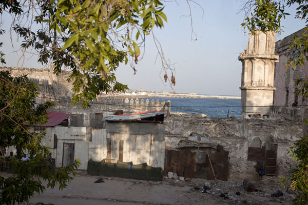 Looking towards the sea and the erstwhile minaret of Fakr ad-Din mosque | Fakr ad-Din mosque | Somalia