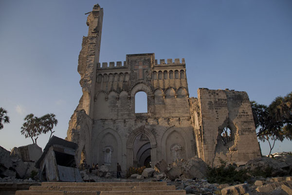 Afternoon view of the cathedral of Mogadishu | Mogadishu kathedraal | Somalië