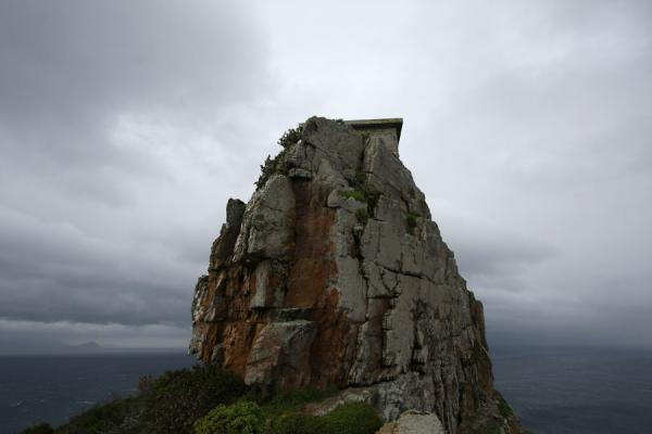 Old building on the top of a rock near Dias Point | Cape Point | Zuid Afrika