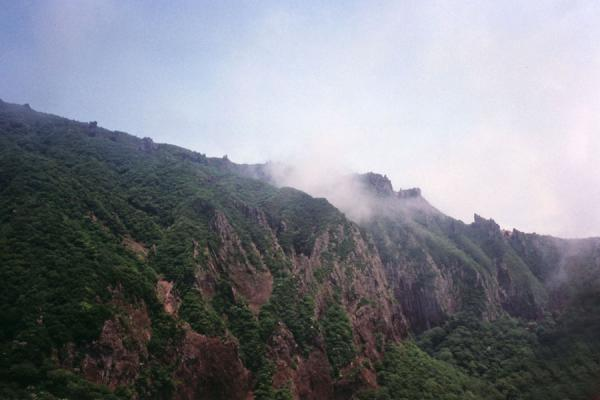 Picture of Cheju-do (South Korea): Cloud lying on a mountain of Cheju-do