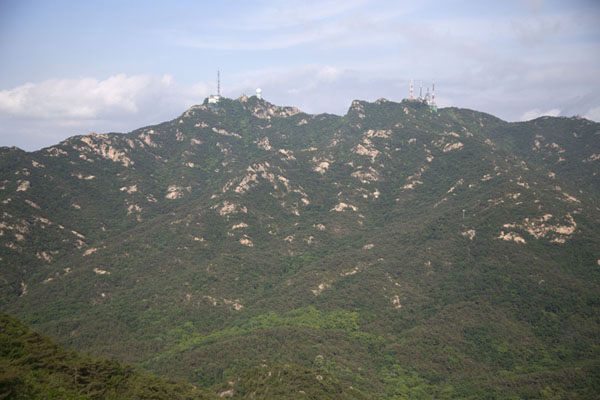 The mountain range with Gwanaksan on the left | Gwanak Mountain | 南韩