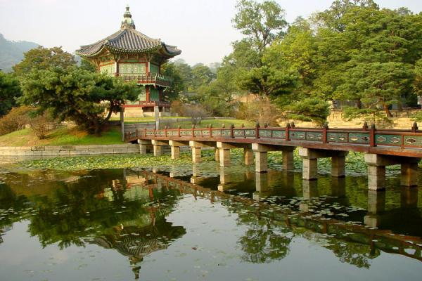 Hyangwonjeong pavilion and bridge | Gyeongbokgung Palace | South Korea