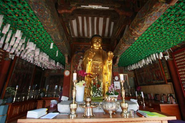 Picture of Gyeongju (South Korea): Peeking inside Bunhwangsa temple