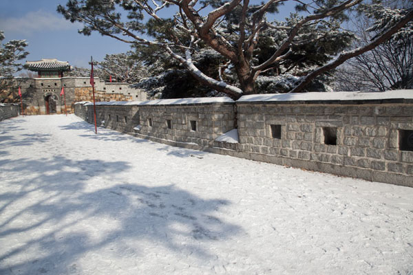 Picture of Snowy Seonamichi bastion with Seonammun gate in the background