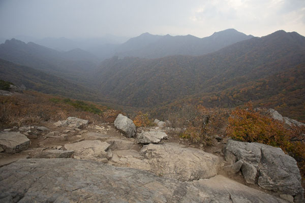 View from Manghaebong Peak (679m) with most of the circuit visible | Naejangsan Mountain | Zuid Korea