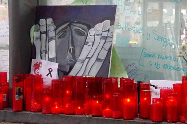 Candles and notes, Atocha station, Madrid | 11 March | Spain