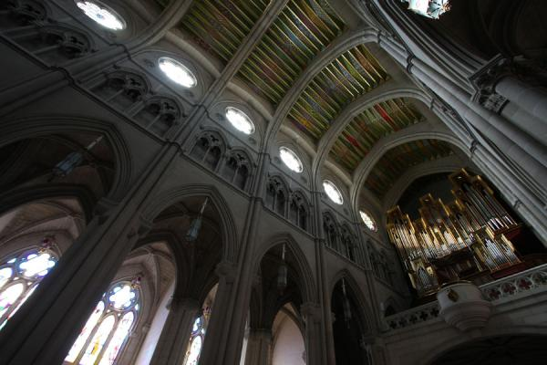 Picture of Almudena Cathedral (Spain): Almudena Cathedral seen from inside: Gothic framework with modern elements