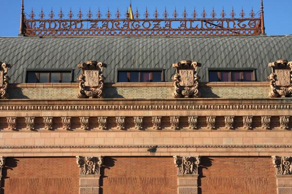 Detail of the roof: Madrid, Alicante, Zaragoza | Atocha Station | Spanje