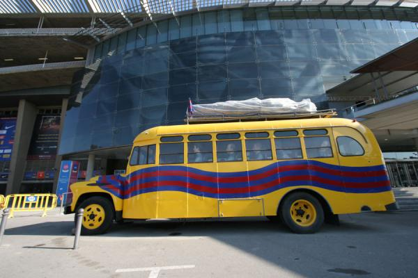 Picture of Oldtimer bus with famous players represented by puppets