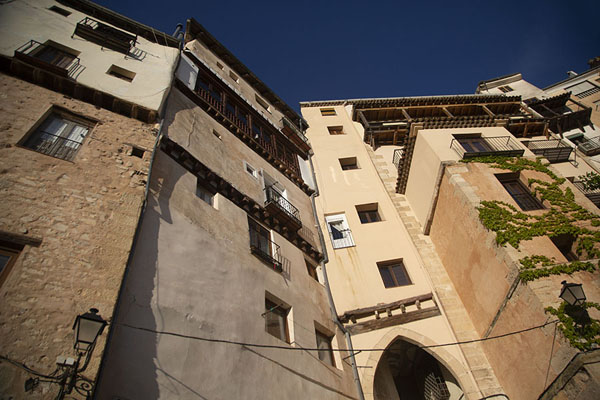 The buildings on the west side of Cuenca | Cuenca oude stad | Spanje