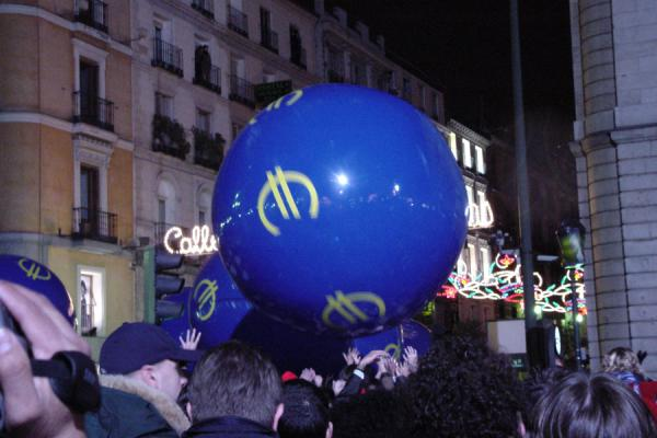 One of the giant ballons bouncing over the crowd | Madrid New Year celebration | Spain