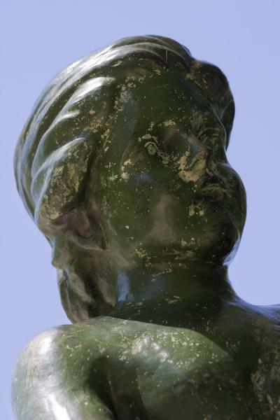 Detail of sculpture at a fountain the Retiro Park马德里 - 西班牙